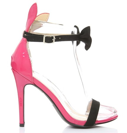 Black and pink sandals with a Kokerden bow- Footwear