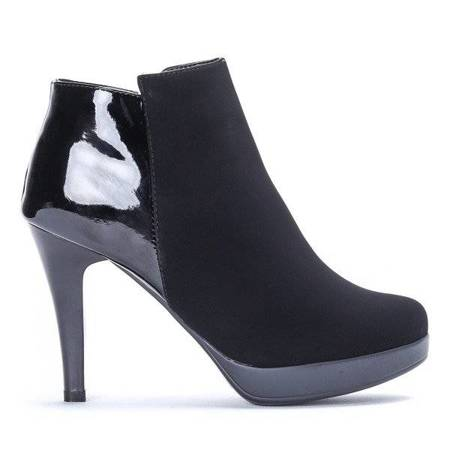 OUTLET Black boots on a high heel Rosalie- Shoes