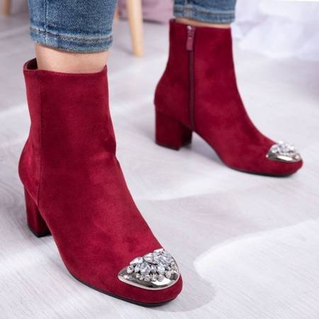 OUTLET Burgundy boots with a decorative toe on a low post Hayley - Footwear