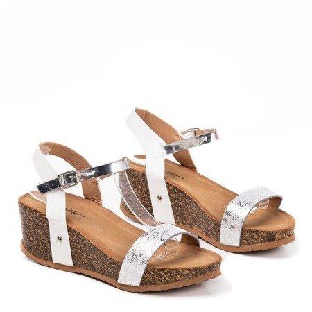 Women's white wedge sandals with an animal motif Akena - Footwear
